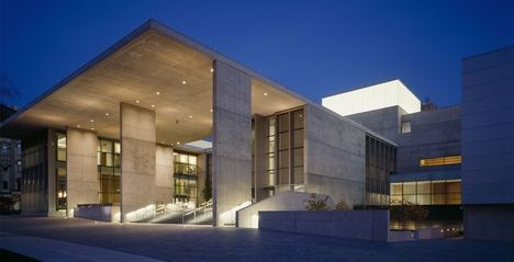 Jetson green grand rapids art museum first leed gold museum for Leed certified house