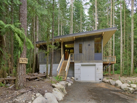 Jetson green prefab cabin built by method homes Small modern mountain house plans