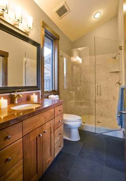 Suite 3 Bathroom
