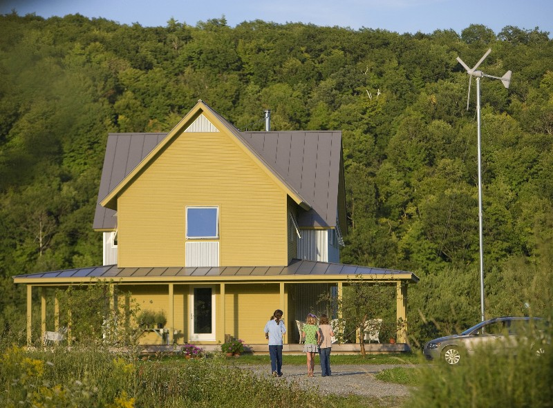 Jetson green true zero net energy vermont house for Zero net energy home