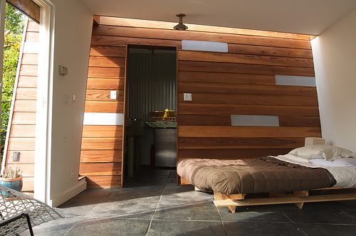 Modern shed guest house