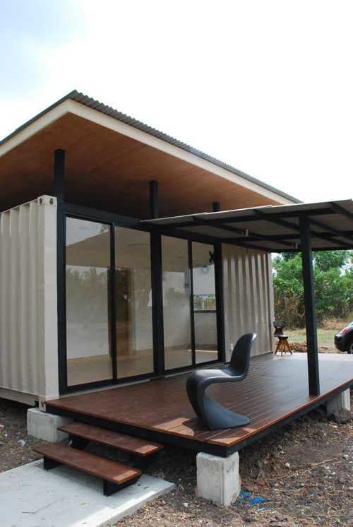 jetson green a simple yet functional container home. Black Bedroom Furniture Sets. Home Design Ideas