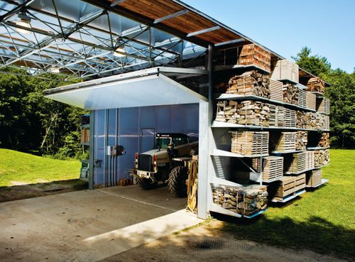 Positive-energy-storage-barn