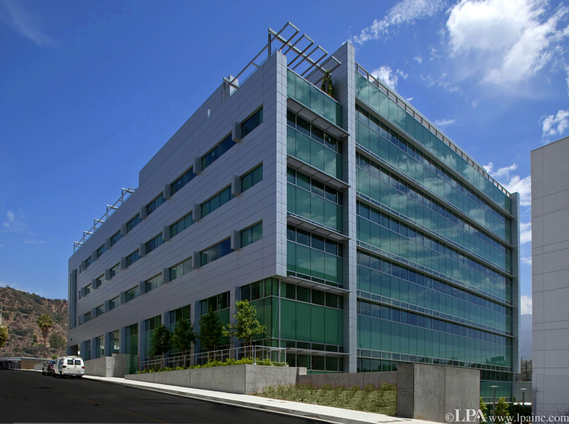 Jetson green nasa 39 s gorgeous leed gold building for Leed building design