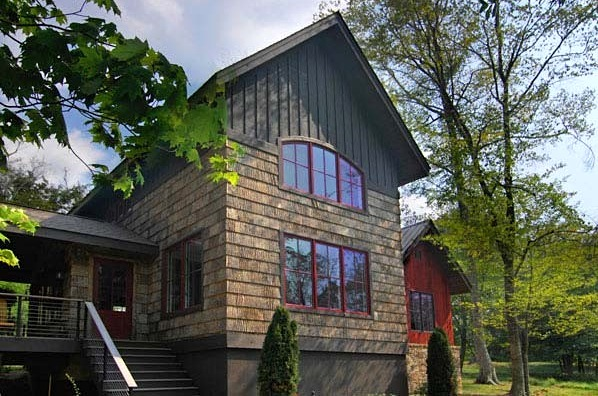 Jetson green turn heads with natural bark shingles for Bark house siding