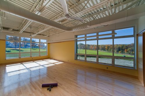 Putney-school-fieldhouse-yoga-room