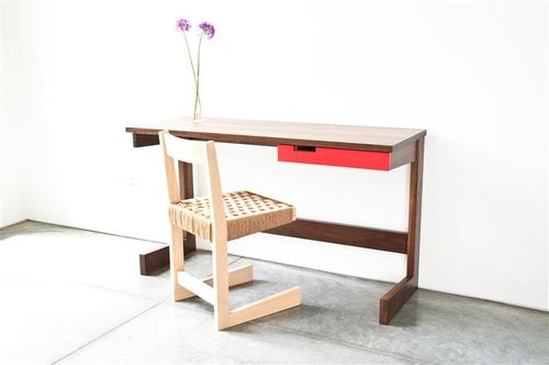 Domiphile-small__desk