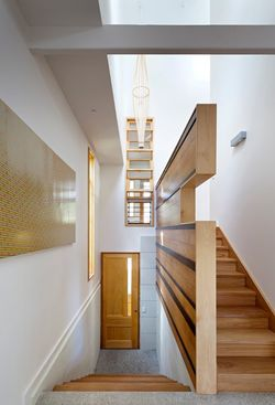 Hill-end-ecohouse-stairs