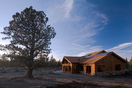 Solar-timber-frame-davis-oregon-rooftop
