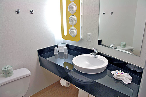 Motel6-texas-leed-bathroom