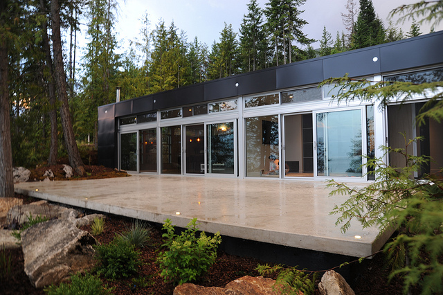 Jetson green modern green lvl prefab in canada for Modern house plans canada