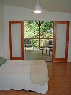 Steely-kehuna-beach-hawaii-green-bedroom