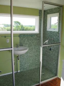 Leed-cabins-shower-sink