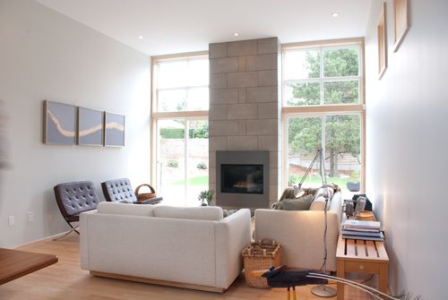 Ecube-living-room-windows
