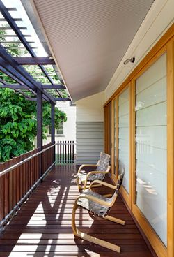 Hill-end-ecohouse-deck