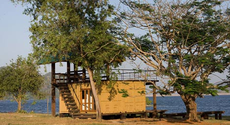 Maduru-oya-container-retreat4