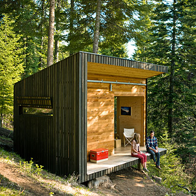 Jetson green modern off grid signal shed in oregon for Contemporary cabin