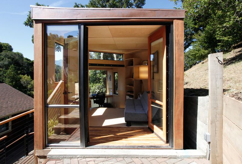 Jetson green 20 fabulous green prefabs of 2010 for Small sustainable homes