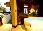 Vicino House Bathtub