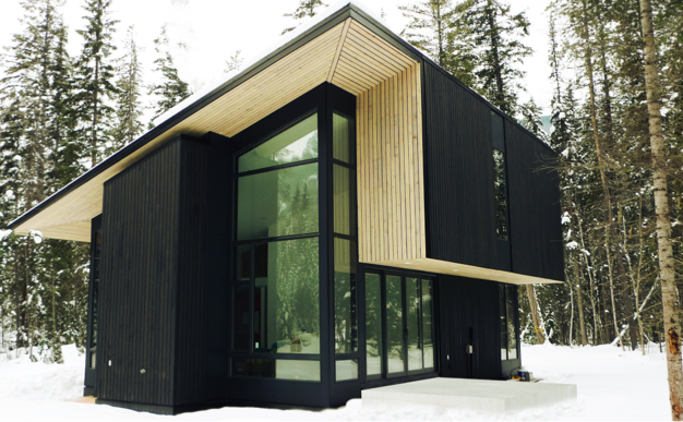 Jetson green natural modern flat pack cabin in canada for Mono pitch house plans