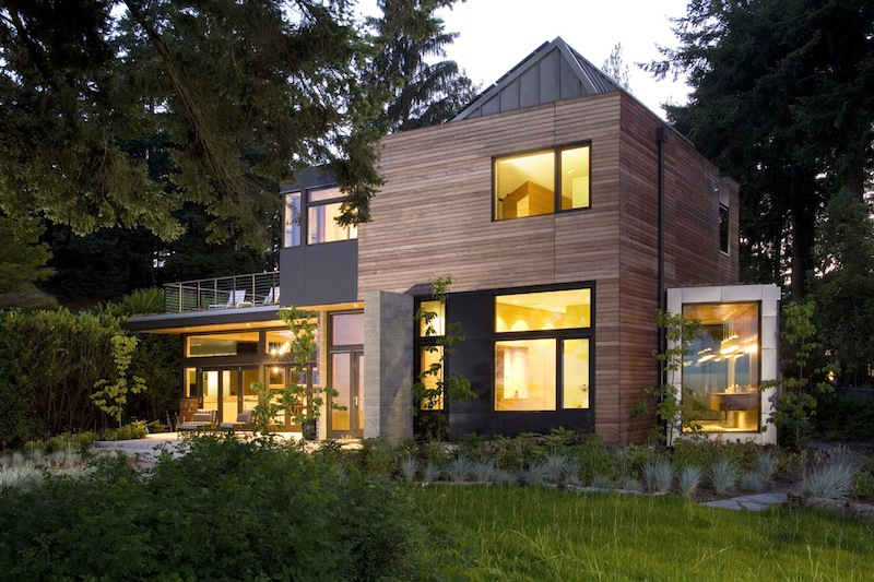 Jetson green ellis residence has a lush green roof for Leed cabins