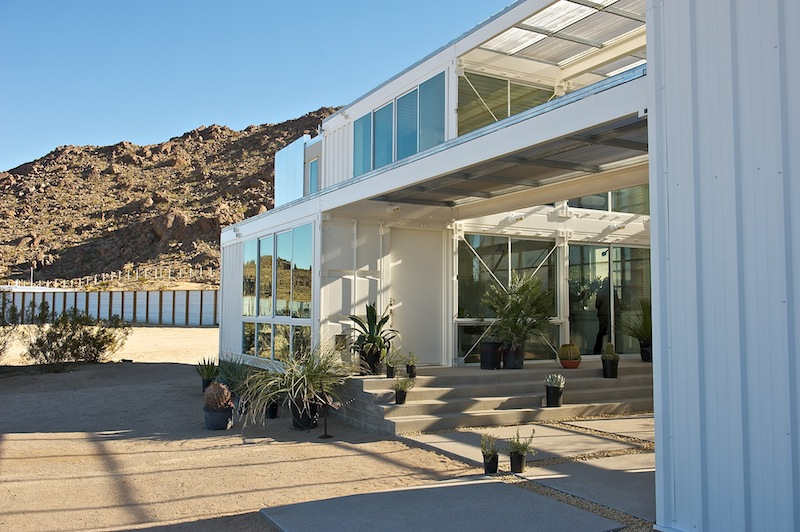 Jetson green first container house in mojave desert - Building shipping container homes ...