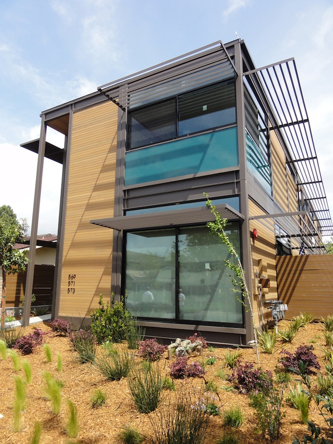 Jetson green prefab livinghomes complete in los altos for Multi family home builders