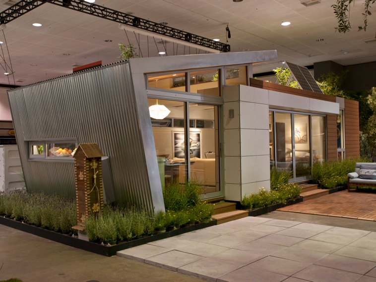 Jetson green dwell show prefab to be sold on ebay for Dwell prefab homes cost