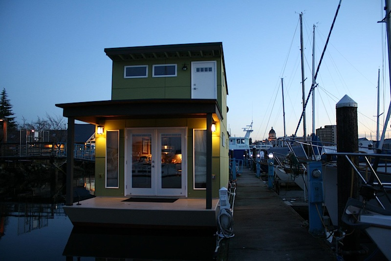 Jetson Green Houseboat
