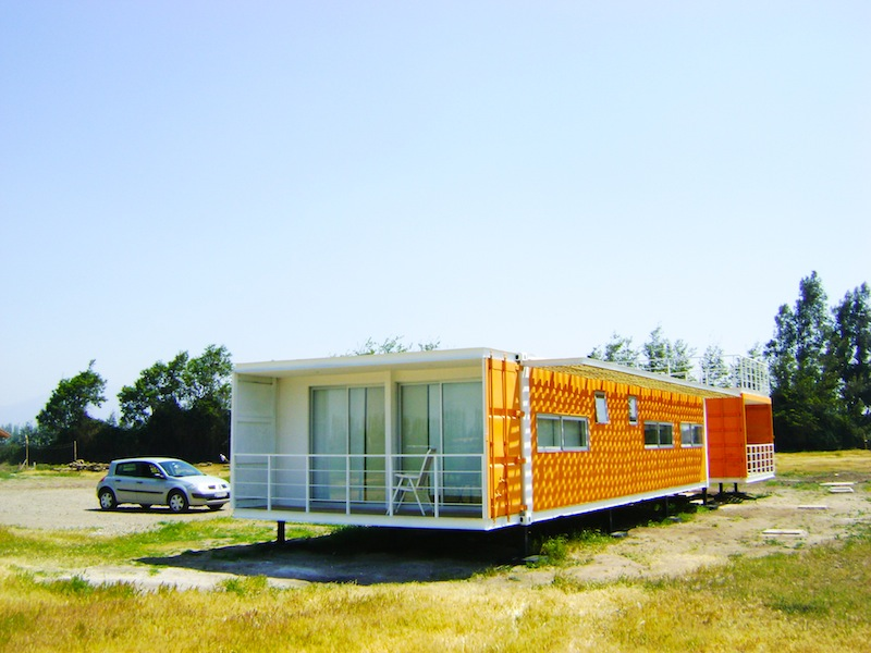 Jetson green bright cargo container casa in chile for Casa in container