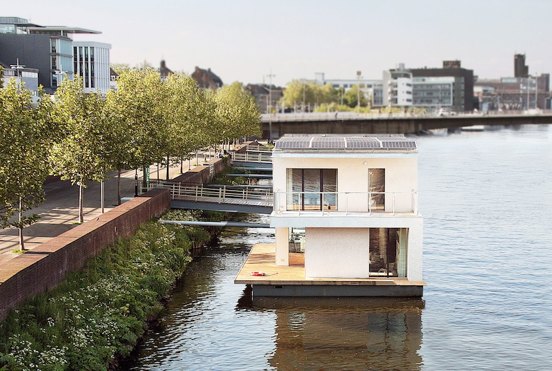 Jetson green autarkhome sustainable floating passivhaus for Building a floating home
