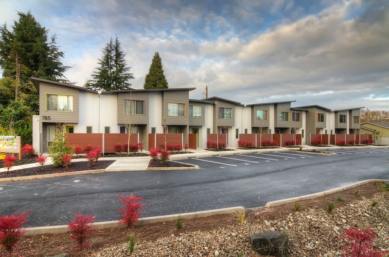 Jetson green efficient greenway townhouses in oregon for Eugene oregon home builders