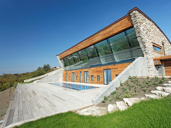 Equinox Passive House in Bulgaria Perfectly Aligns With the Sun