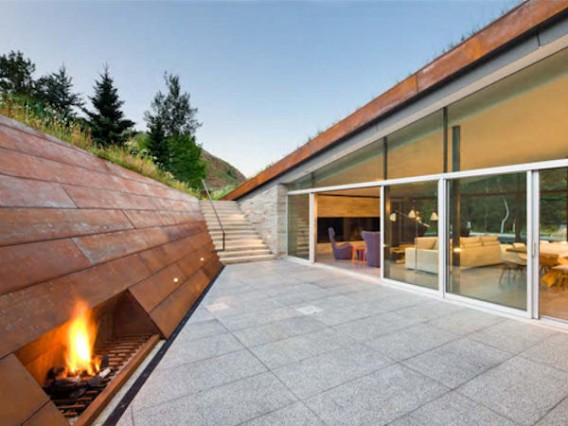 House-in-the-Mountains