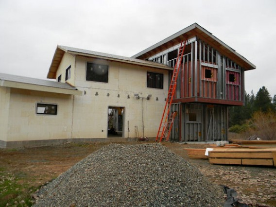 Cottonwood-Meadow-Hybrid-Container-Home-2