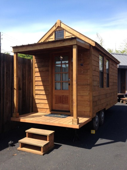 Portland-Caravan-First-Tiny-House-Hotel-USA