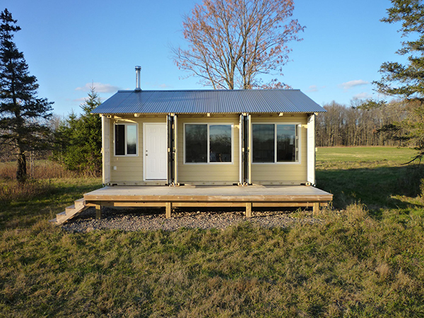 Shipping Container Cabin 600 x 450