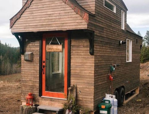 Gorgeous and Roomy Mobile Tiny Home