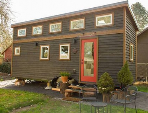 Tiny Home That Seems Surprisingly Spacious