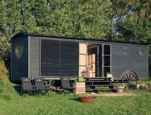 Caravan Becomes a Lovely Tiny Home