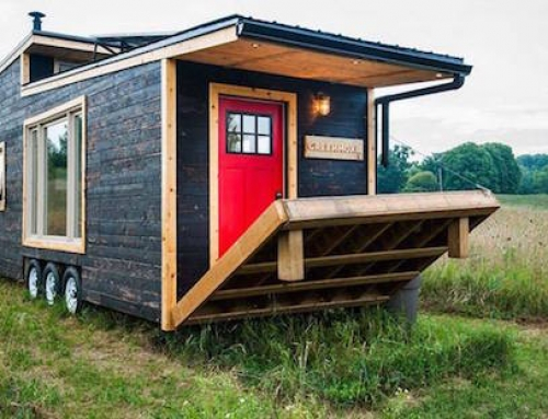 Canadian Tiny House With a Cool Deck