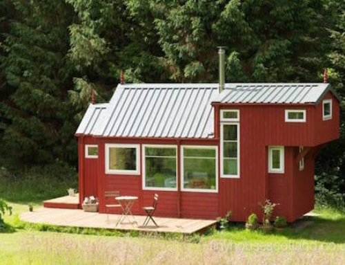 Comfortable and Surprisingly Spacious Tiny House
