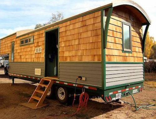 Quaint Tiny Home Built in a Gooseneck Trailer