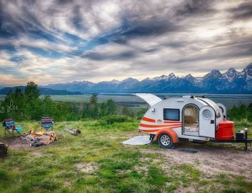 Photographer Downsizes to a Teardrop Trailer to Travel the Country