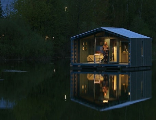 Floating Micro Cabin