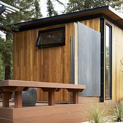 Modern-cottage-deck-l