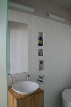 Silo-house-bathroom