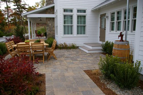 Hgtv-green-home-2010-pervious-pavers