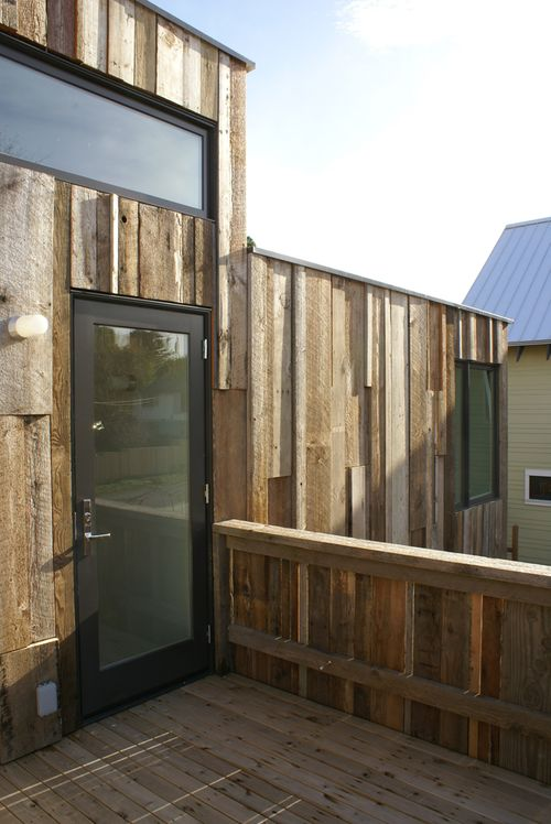 Sips-house-exterior-deck