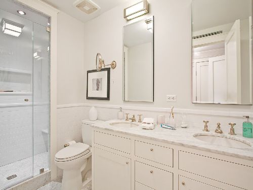 243east-82ndstreet-bathroom